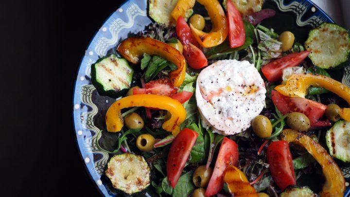 Lauwwarme burrata salade met gegrilde groenten