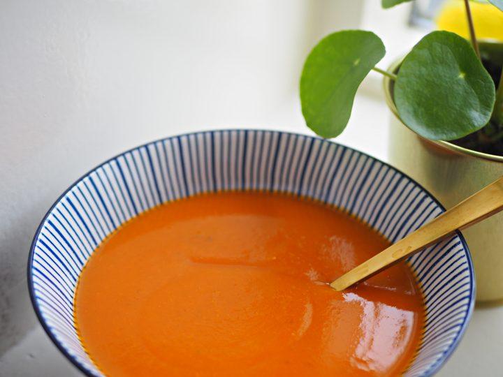 Zo maak je glutenvrije pompoensoep met tomaat!