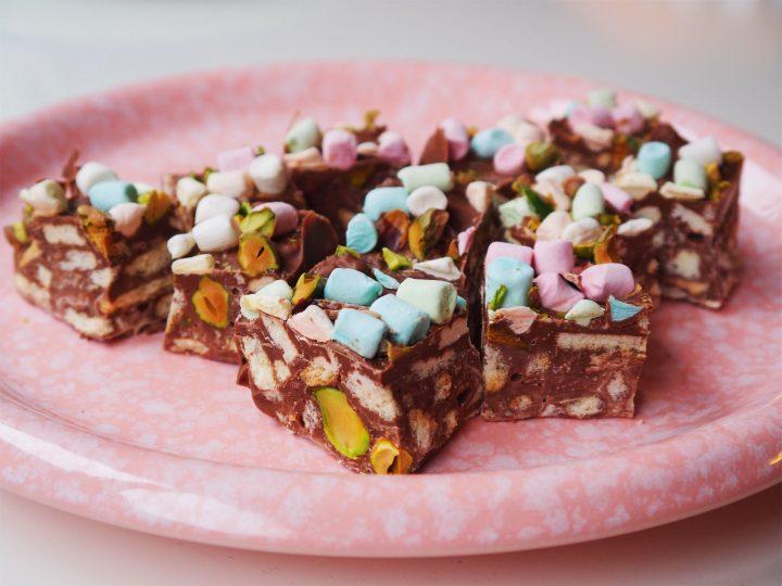 Glutenvrije chocochunks met koek, pistache en marshmallows